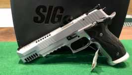 SIG SAUER X-SIX Skeleton Kaliber 9mm